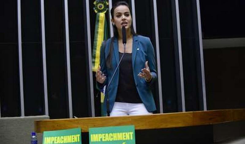 Shéridan Oliveira é acusada de oferecer vantagens a moradores de Boa Vista para reeleger Anchieta ao governo de Roraima (Foto: Nilson Bastian/Câmara dos Deputados)