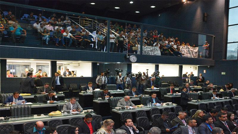 Governo recrutou apoio na oposição e plenário da ALE aprovou orçamento para 2018 de R$ 15 bilhões (Foto: ALE/Divulgação)
