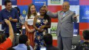 Governador Amazonino Mendes anunciou que lançará programa para financiar pequenas indústrias (Foto: Aguilar Abecassis/Secom)