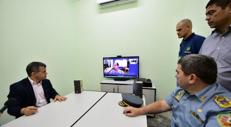 Videoconferência reduz número de policiais para transporte de presos e aumenta segurança (Foto: Bruno Zanardo/Secom)