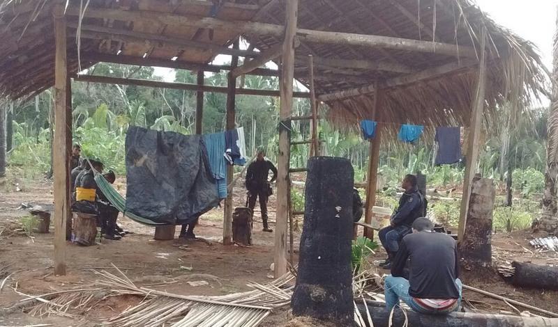 Policiais vistoriaram abrigos em área de difícil acesso na zona rural de Canutama (Foto: PC-AM/Divulgação)