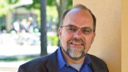 David Plank é especialista em educação e pesquisador de Stanford (Foto: Christopher Wesselman/Standorf News/Divulgação)