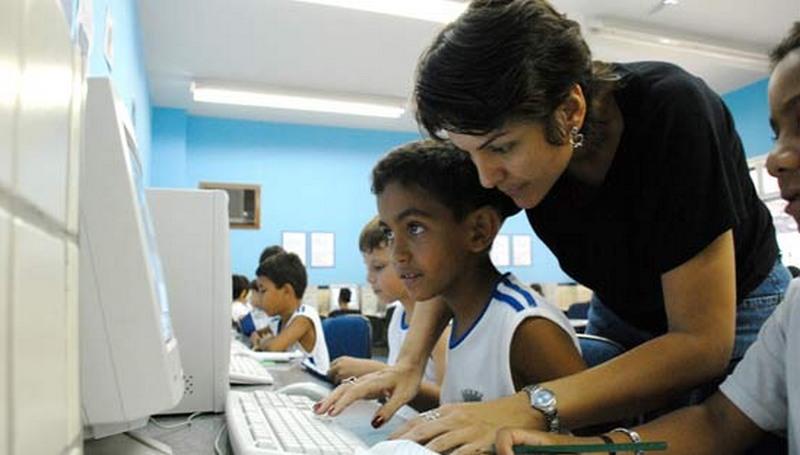 Escolas adotam o multiletramento para ensinar 'vida digital'