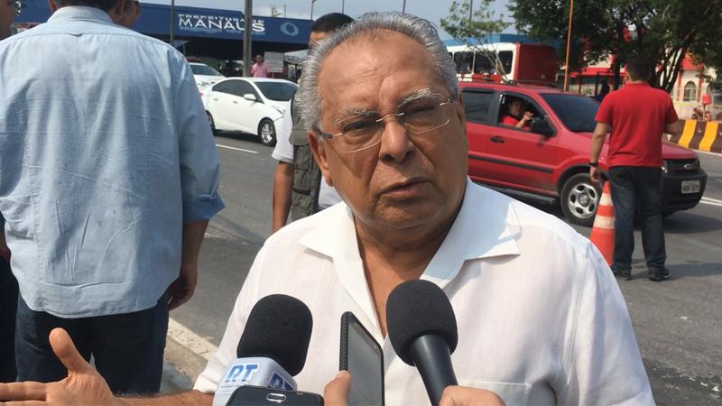 Amazonino diz que abono do Fundeb em período eleitoral foi coincidência
