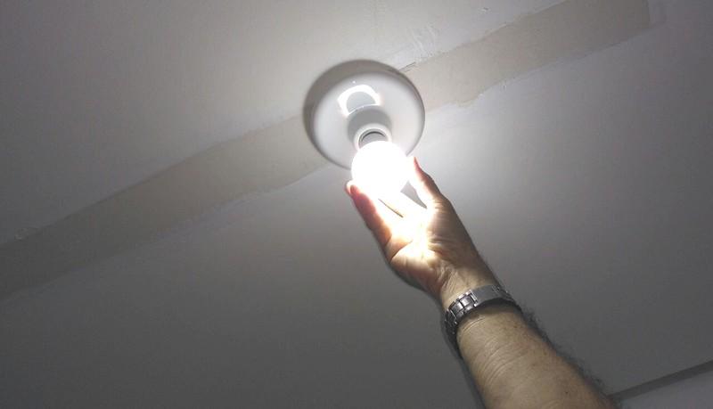 Entre 18 horas e 21 horas, a energia ficará até cinco vezes mais cara