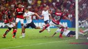 Lucas Paquetá abriu o placar para o Flamengo, mas Independiente empatou e ficou com o título da Sul-Americana (Foto: Gilvan de Souza/Flamengo)