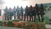 Equipe composta por 17 policiais militares apreenderam a droga, mas os traficantes conseguiram fugir (Foto: Divulgação)