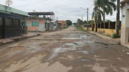 Manaus rua esburacada