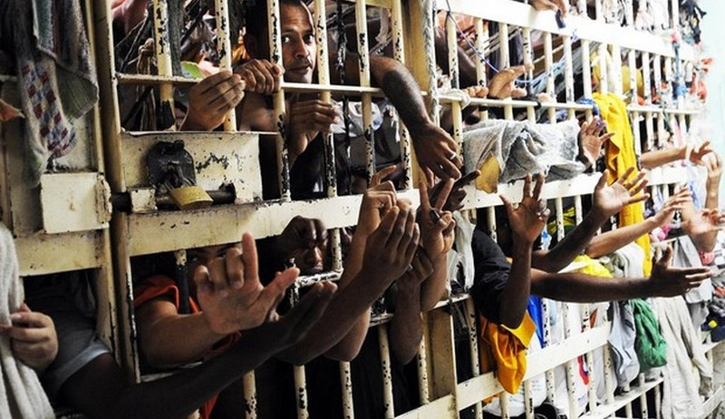 Presidiários podem ter de arcar com custos de permanência na cadeia
