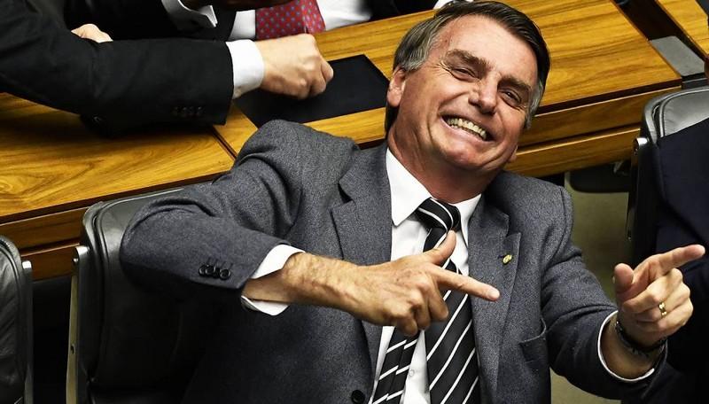 Artigo em Veja e julgamentos militares deram fama a Bolsonaro