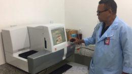 Com novos equipamentos, hospital de Coari pretende aumentar número de exames de sangue e diminuir tempo de espera por resultado (Foto: Divulgação)