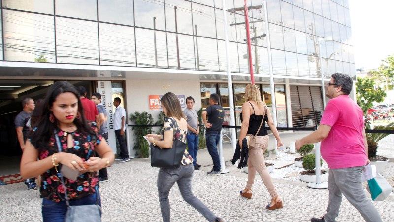 Semed convoca 5 mil aprovados em concurso para provas de títulos