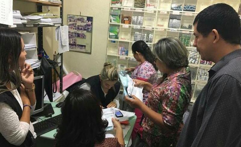 Fiscais do Conselho de Enfermagem encontraram remédios vencidos em unidades básicas de saúde (Coren/Divulgação)