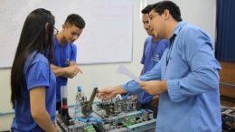 Cursos são direcionados para atender necessidade de empresas da indústria por técnicos qualificados (Foto: Senai/Divulgação)