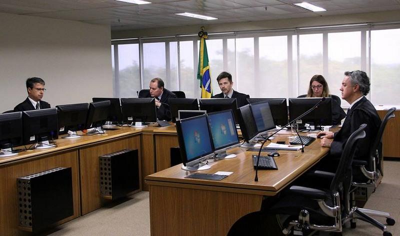 Especialistas veem juiz sob suspeição para julgar o ex-presidente Lula