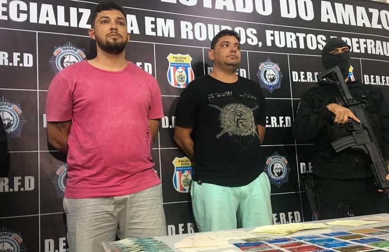 Fabricio Leite de Sousa e Fábio Leite de Sousa aplicavam golpe em idosos nas agências bancárias (Foto: ATUAL)
