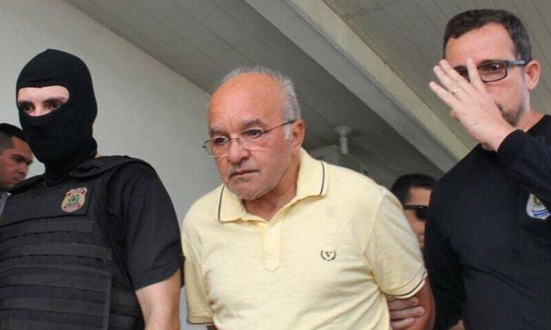 Jose Melo no IML em Manaus