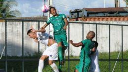 Jogos do Barezão retornam no sábado, com estreia do Princesa. O Manaus F (de verde) lidera o Grupo B da competição (Foto: Antônio Assis/FAF)