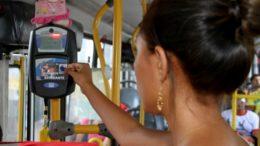 Estudantes precisam fazer recadastramento para garantir meia-passagem nos ônibus (Foto: Karla Vieira/Semcom)