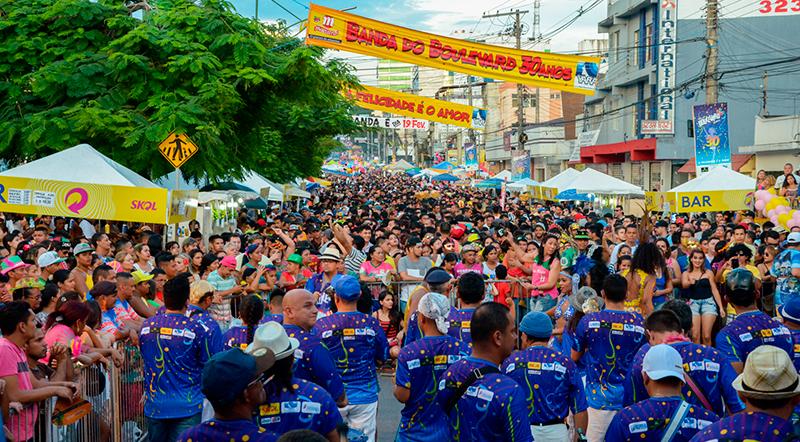Festas de bandas e blocos de carnaval em Manaus serão até a meia noite
