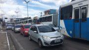 Ônibus pararam no Centro de Manaus, na manhã desta quarta-feira (Foto: ATUAL)