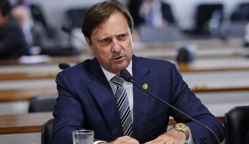 STF rejeita suspender efeitos da condenação do senador Acir Gurgacz