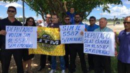 Grupo de taxistas em Manaus cobrou manutenção de restrições a aplicativos de transporte (Foto: ATUAL)