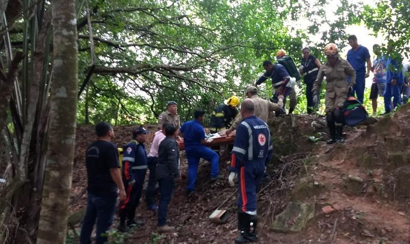 Monomotor cai em área urbana de Manaus e deixa três mortos