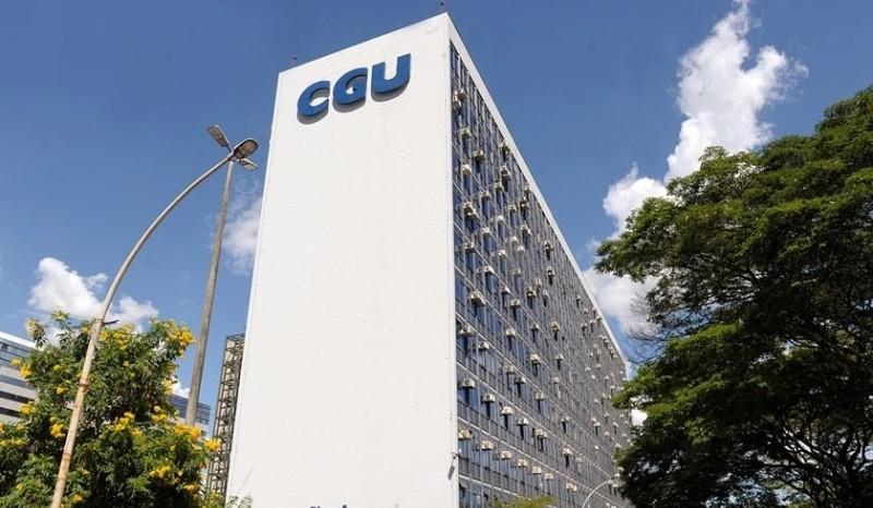 A cada dia, um servidor é demitido por corrupção, diz CGU