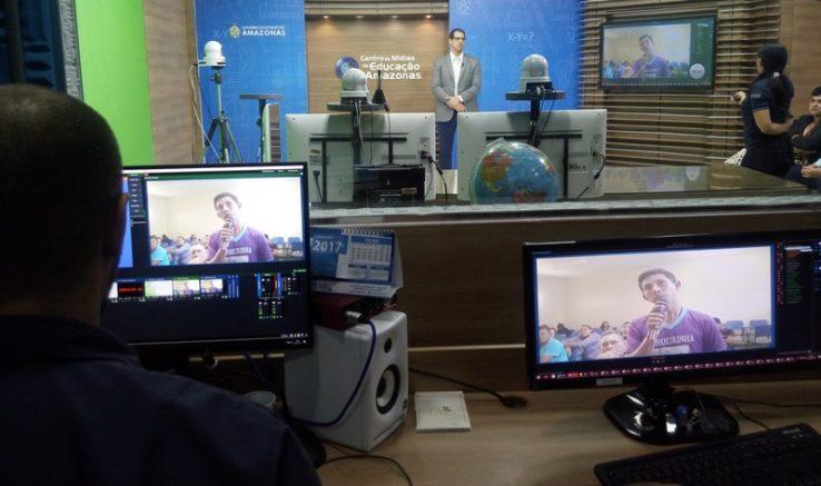 Aulas serão online pela internet com transmissão do Centro de Mídias da Seduc (Foto: DPE/Divulgação)