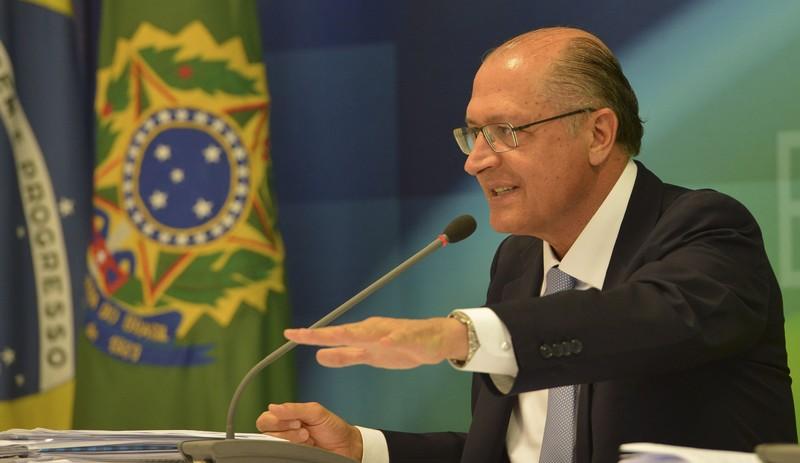 PSDB evita festa de 30 anos em meio à indignação com partidos políticos