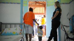 Mãe com filho até 12 anos que está presa pode ganhar prisão domiciliar em todo o País (Foto: Tânia Rêgo/ABr)