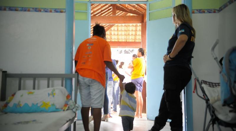 STF estende a mães e gestantes já condenadas o direito à prisão domiciliar