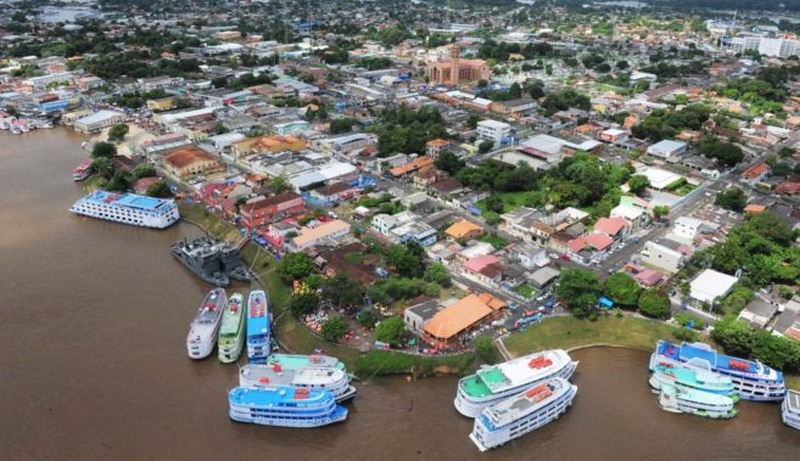 Município de Parintins garante transporte de mortos para Manaus e da capital ao município (Foto: Robertio Carlos/Secom)