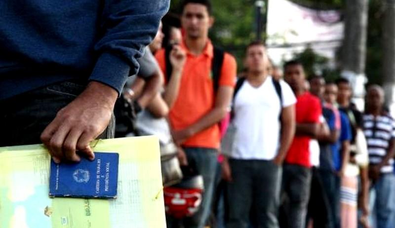 Brasil alcança recorde de 4,818 milhões de pessoas desalentadas