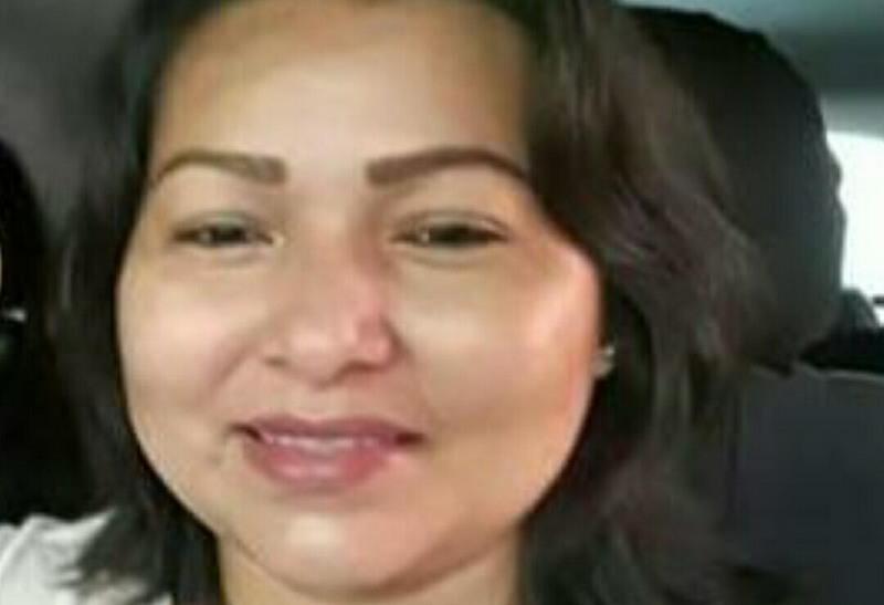 Professora Alessandra Gomes foi morta a facadas dentro de casa. Ela havia denunciado alunos armados na escola (Foto: Divulgação)