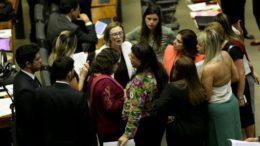 Deputadas federais em reunião no plenário da Câmara: elas são 5% do número de parlamentares (Foto: Wilson Dias/ABr)