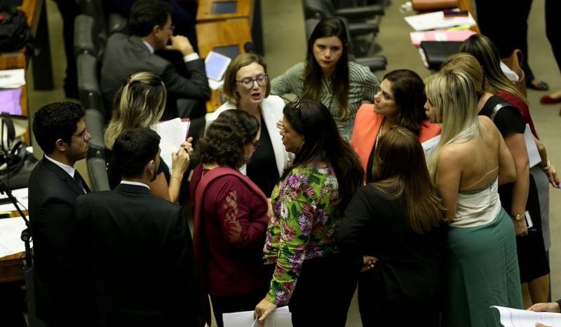 Brasil está em 152º lugar em representatividade feminina na política