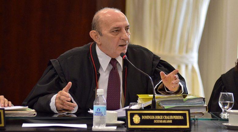Domingos Chalub não aceitou justificativa da falta de dinheiro apresentada pela PGE (Foto: Raphael Alves/TJAM)