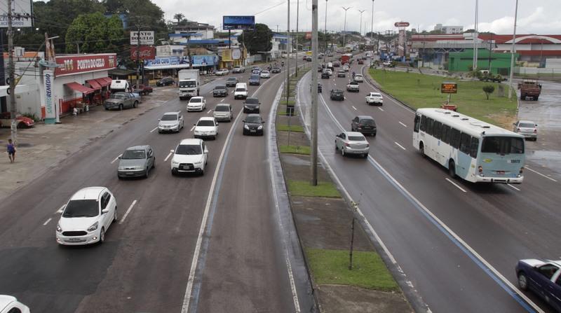Na Avenida Torquato Tapajós, acesso é livre pela Faixa Azul (Foto: Altemar Alcântara/Semcom)