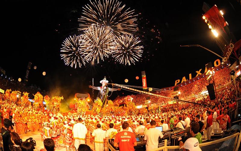 Governo define com bumbás patrocínio privado para Festival de Parintins