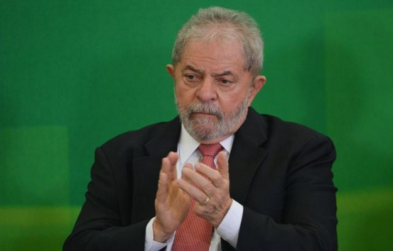 Após nova derrota, defesa de Lula pede liminar para garantir petista em debate