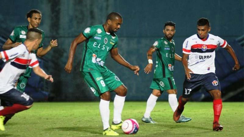 Manaus FC (de verde) venceu o Fast e assumiu a liderança do Grupo B do returno do Barezão (Foto: FAF/Divulgação)