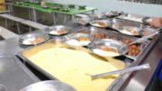 Em algumas escolas, alimentos da merenda não tem armazenamento adequado e governos utilizam verba menor que o mínimo estipulado em lei (Foto: Secom/Divulgação)