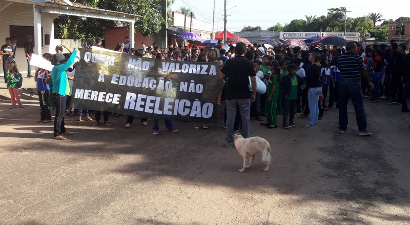 Divididos em três grupos, trabalhadores paralisam 140 escolas no Amazonas