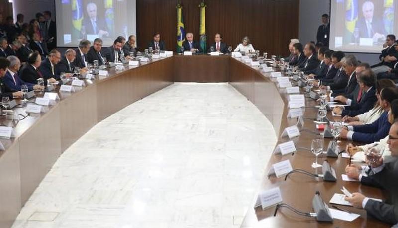 Temer anuncia plano em parceria com BNDES para reaparelhamento de polícias
