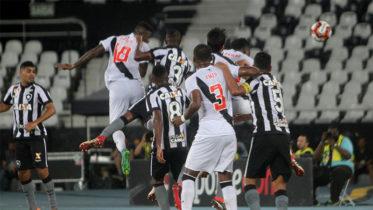 Em jogo de cinco gols, Botafogo eliminou o Vasco na semifinal da Taça Rio, segundo turno do Campeonato Carioca (Foto: Paulo Fernandes/Vasco)