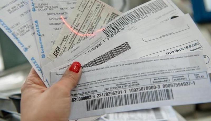 Boletos vencidos acima de R$ 100 poderão ser pagos em qualquer banco