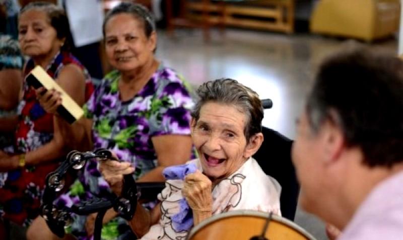 Alzheimer: acadêmicos orientarão sobre correção de linguagem