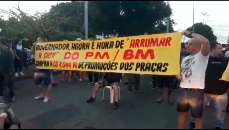 Policiais militares fecham Torquato Tapajós